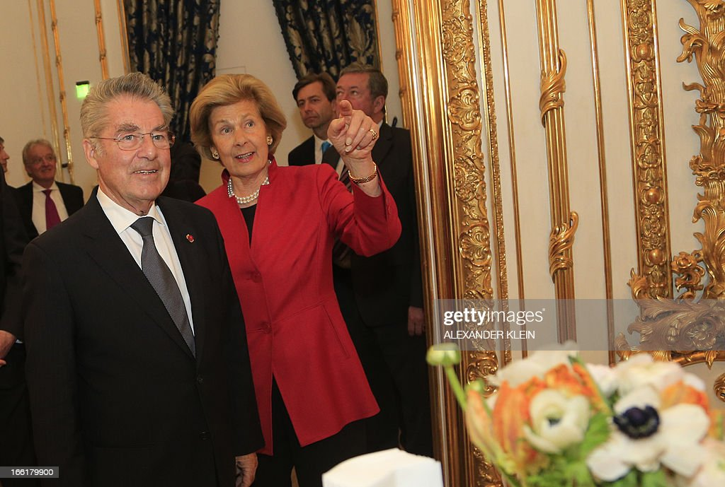 austrian-president-heinz-fischer-listens-to-princess-marie-of-during-picture-id166179900