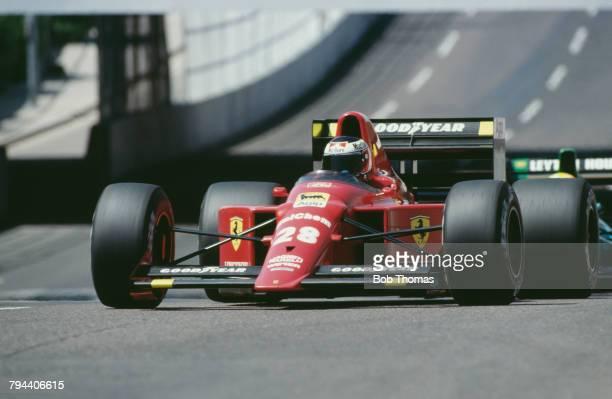 Austrian racing driver Gerhard Berger drives the Scuderia Ferrari SpA SEFAC Ferrari 640 Ferrari 035/5 35 V12 in the 1989 United States Grand Prix in...