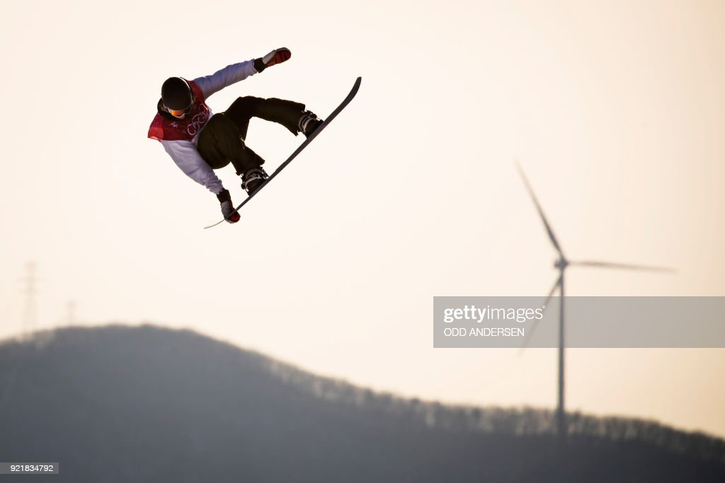 Austria's Clemens Millauer competes during the qualification of the men's snowboard big air event at the Alpensia Ski Jumping Centre during the Pyeongchang 2018 Winter Olympic Games in Pyeongchang on February 21, 2018. / AFP PHOTO / Odd ANDERSEN