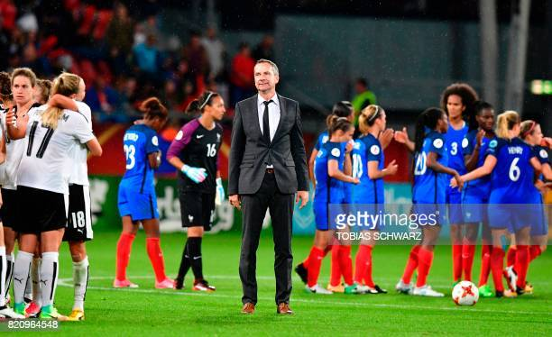 Austria's head coach Dominik Thalhammer reacts at the end of the UEFA Women's Euro 2017 football tournament between France and Austria at the...