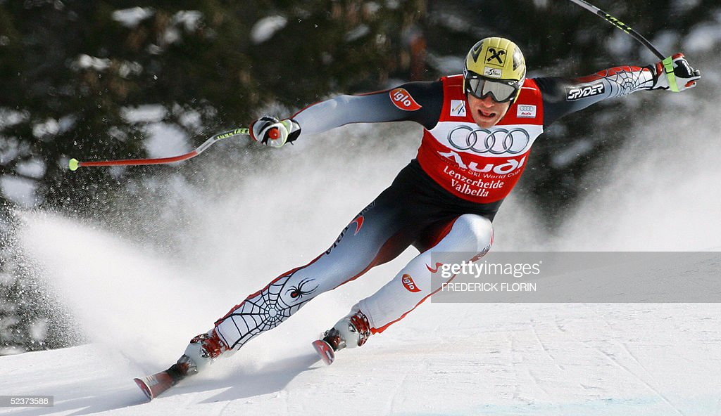Austria's Hermann Maier competes during the Ski World Cup Super G race in Lenzerheide, 11 March 2005. US Bode Miller won the race ex aeqo with his teammate Daron Rahlves, Austria's Stephan Goergl ranked second and Liechtenstein's Marco Buechel ranked third.