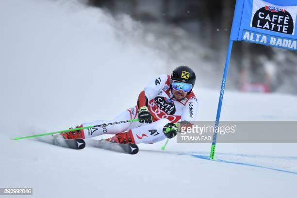 Austria's Marcel Hirscher competes in the FIS Alpine World Cup Men's Giant Slalom on December 17 2017 in Alta Badia Italian Alps / AFP PHOTO /...