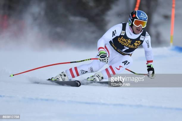 Austria's Matthias Mayer competes in the FIS Alpine World Cup Men Downhill on December 16, 2017 in Val Gardena - Groeden, Italian Alps. / AFP PHOTO /...