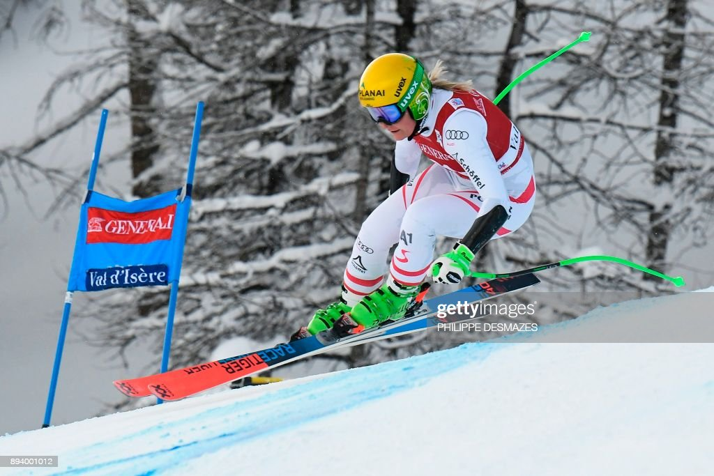 Austria's Tamara Tippler competes during the women's Super-G race at the FIS Alpine Skiing World Cup in Val-d'Isere, French Alps, on December 17, 2017. /