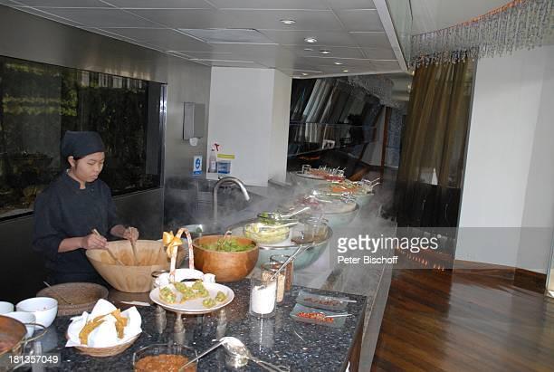 Auswahl an Speisen Buffet Restaurant vom OrientalHotel Bangkok Thailand Essen Eis Luxus edel Reise
