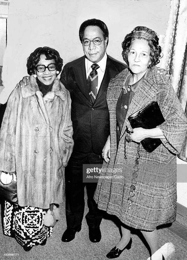 Author Alex Haley with Elizabeth Oliver of the Afro American Newspapers, 1977.