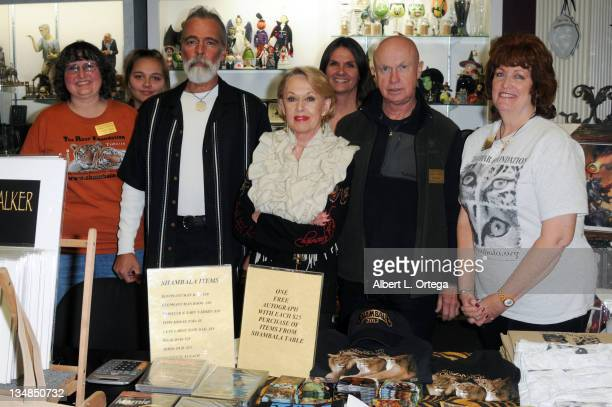 Author Chris Gallucci actress Tippi Hedren photographer Bill Dow and staff participate in a signing to benefit the Roar Foundation's Shambala...