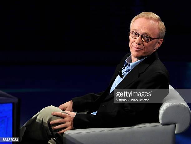 Author David Grossman attends the Italian Television Show 'Che Tempo Che Fa' held at RAI Studios on October 05, 2008 in Milan, Italy.