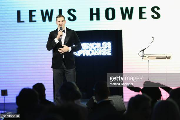 Author entrepreneur and Philanthropist Award Honoree Lewis Howes speaks onstage at the Pencils of Promise Annual Gala 2017 in Central Park on...