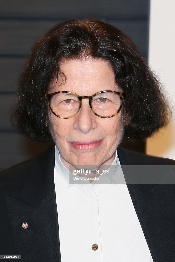 Author Fran Lebowitz arrives at the 2016 Vanity Fair Oscar Party Hosted by Graydon Carter at the Wallis Annenberg Center for the Performing Arts on February 28, 2016 in Beverly Hills, California.