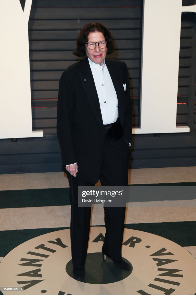 Author Fran Lebowitz attends the 2017 Vanity Fair Oscar Party hosted by Graydon Carter at the Wallis Annenberg Center for the Performing Arts on February 26, 2017 in Beverly Hills, California.