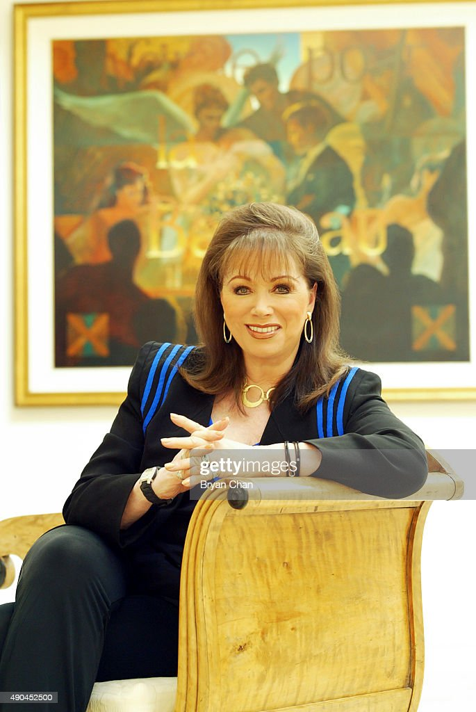 Author Jackie Collins is photographed for Los Angeles Times on November 1, 2003 in Los Angeles, California. PUBLISHED IMAGE.