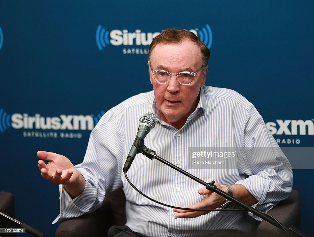 """Author James Patterson And NBA Legend Grant Hill Visit The SiriusXM Studios For """"SiriusXM""""s Town Hall With James Patterson And Special Guest Grant Hill"""" : News Photo"""