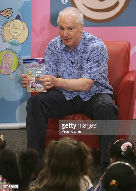 Author Jim Jinkins makes an appearance at Border Books for a speed reading contest to help raise money for Noggin's new national literacy campaign...
