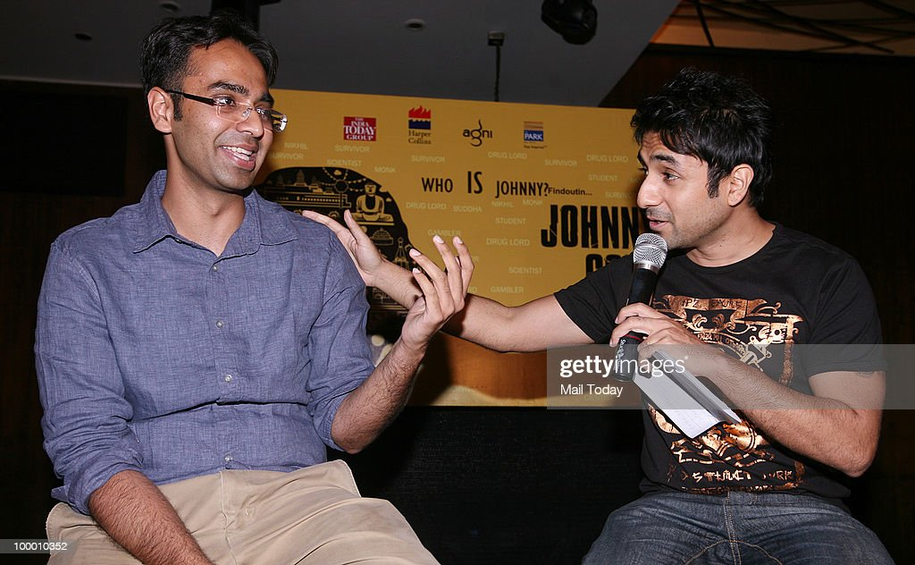 Author Karan Bajaj(L) with actor-comedian Vir Das at the launch of Bajaj's book Johnny Gone Down in New Delhi on May 18, 2010.
