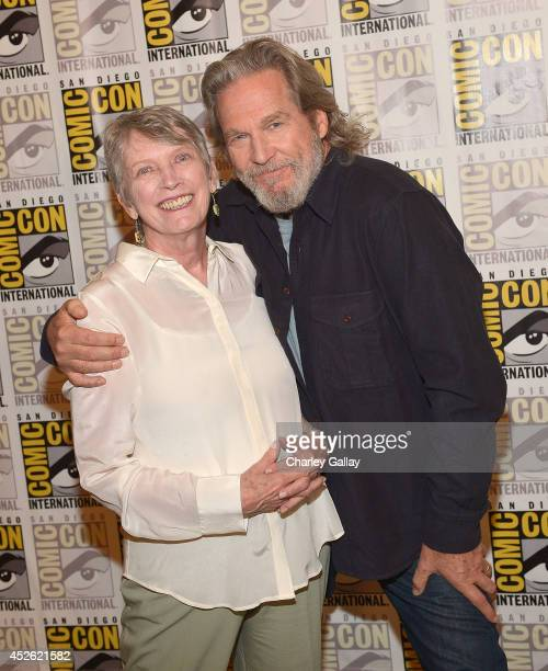 "Author Lois Lowry and actor Jeff Bridges attend The Weinstein Company Presents ""THE GIVER"" At Comic-Con 2014 at Hilton Bayfront on July 24, 2014 in..."