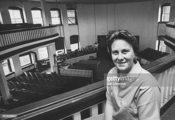 Author of To Kill a Mockingbird Harper Lee, in local coutrhouse while visting her home town.