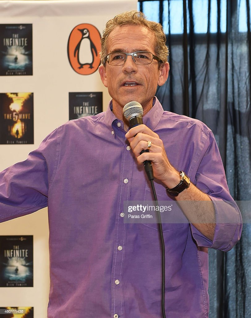 Author Rick Yancey attends 'The 5th Wave' Book & Movie