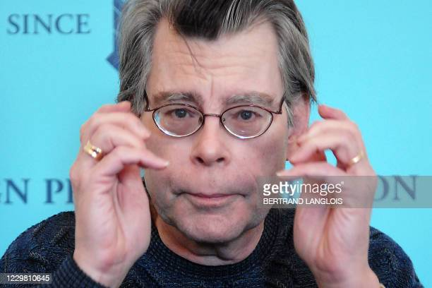 Author Stephen King is pictured at a press conference in London, 09 November 2006, as he prepares to launch his new book 'Lisey's Story.' Horror...
