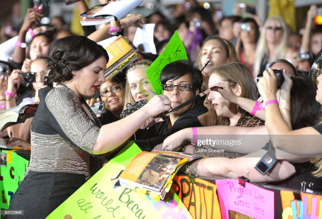 """The Twilight Saga: New Moon"" Los Angeles Premiere - Arrivals : News Photo"