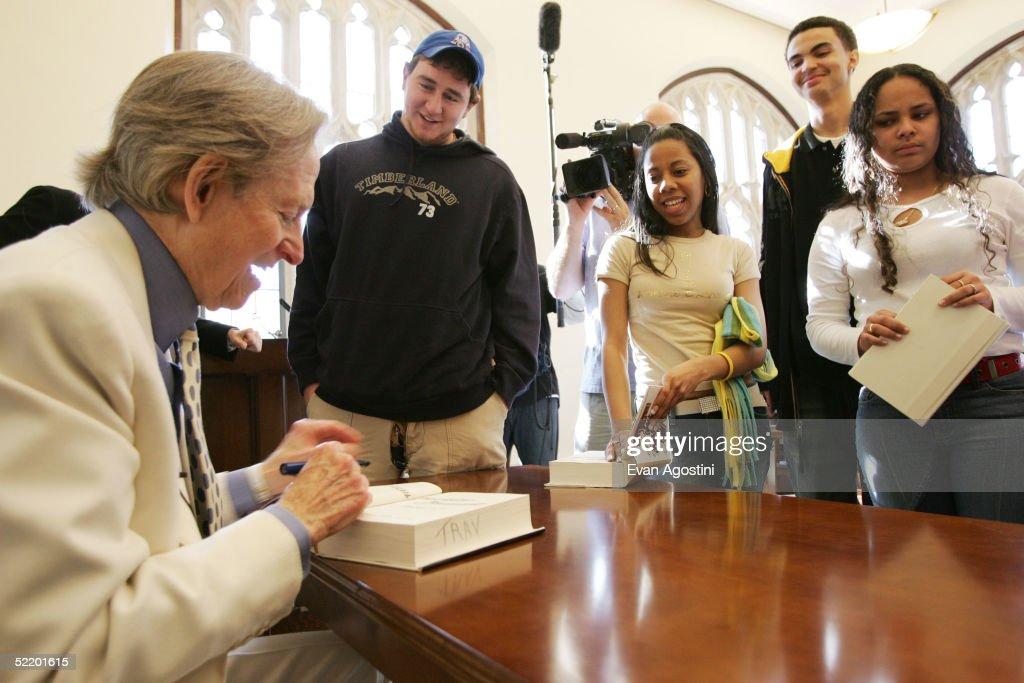 Author Tom Wolfe, host of the mtvU series 'Stand In', signs autographs after guest lecturing at Fordham University February 15, 2005 in New York City.