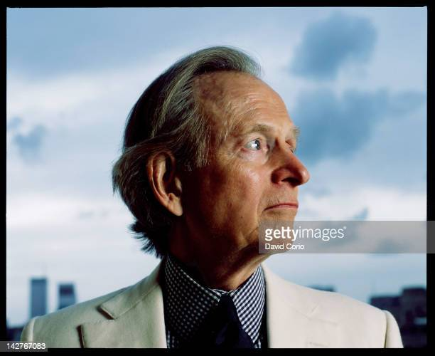 Author Tom Wolfe in his Upper EastSide apartment New York City 21st October 2004