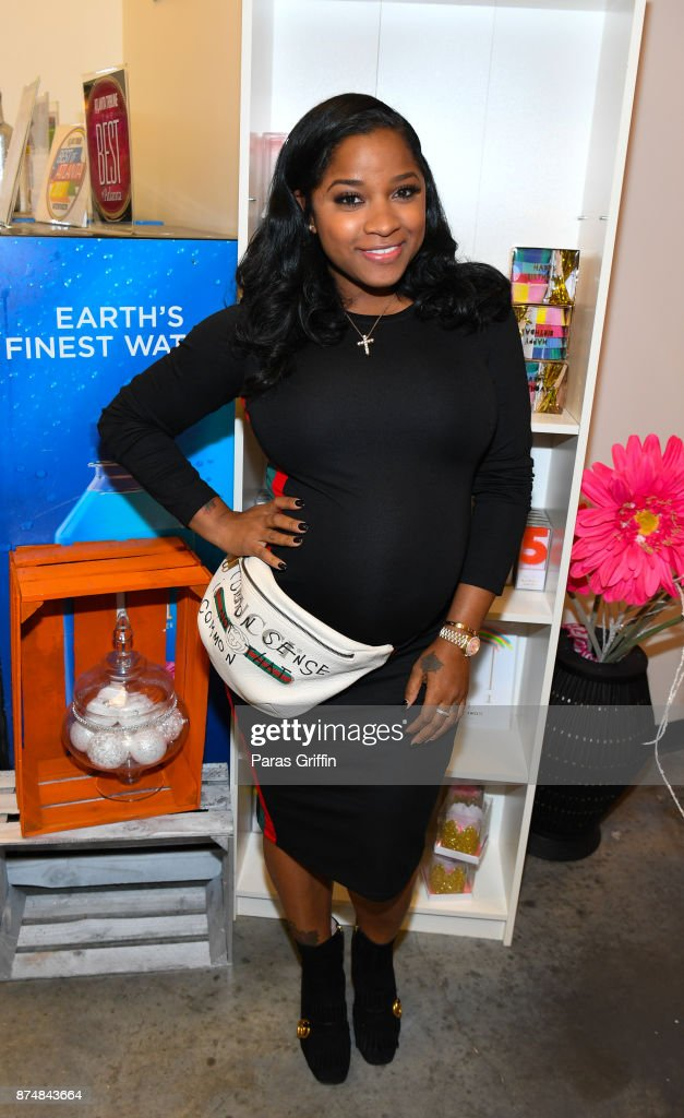 Author Toya Wright attends Spreading Ambition Food Drive at CheeseCaked on November 15, 2017 in Atlanta, Georgia.