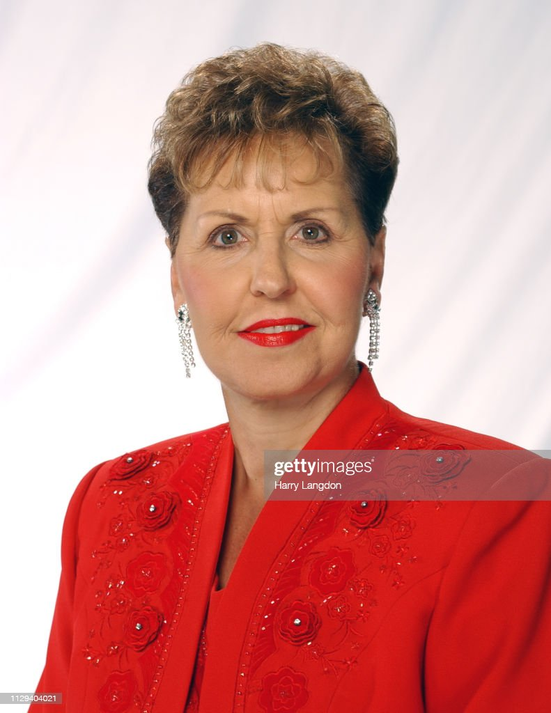 Los Angeles 2008 Authorpersonality Joyce Meyer Poses For