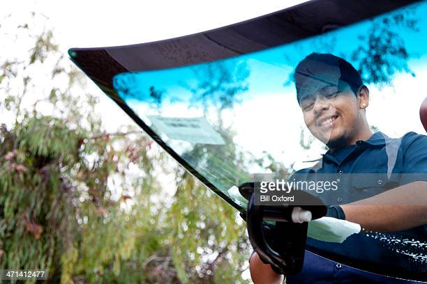 auto glass repair & replacement - car repair stock pictures, royalty-free photos & images
