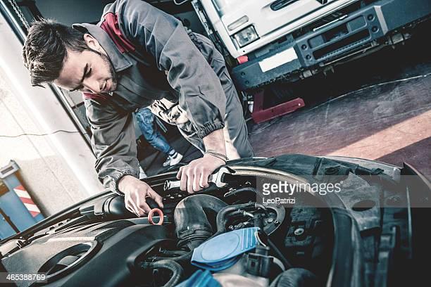 Auto de fijación mecánica un motor de coche
