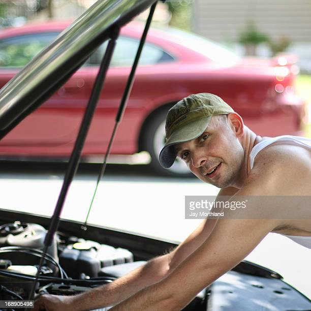auto mechanic - vest stock pictures, royalty-free photos & images