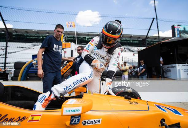 101st Indianapolis 500 Preview Fernando Alonso exiting car during practice session at Indianapolis Motor Speedway Indianapolis IN CREDIT Simon Bruty