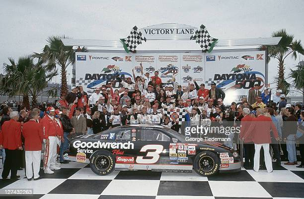 40th NASCAR Daytona 500 Dale Earnhardt and team members victorious in victory lane after winning race at Daytona International Speedway Daytona FL...