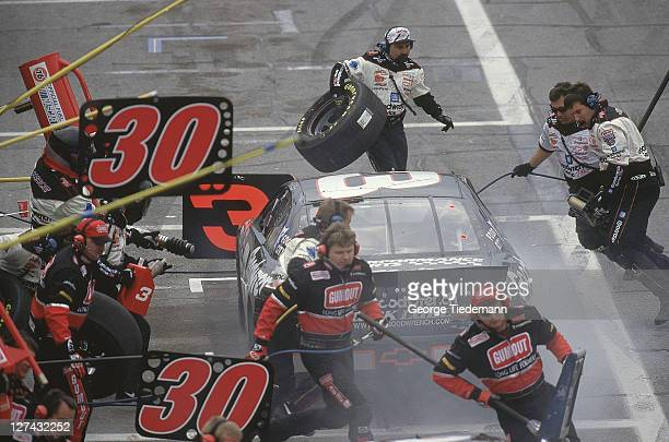 40th NASCAR Daytona 500 Dale Earnhardt making pit stop at Daytona International Speedway Daytona FL CREDIT George Tiedemann