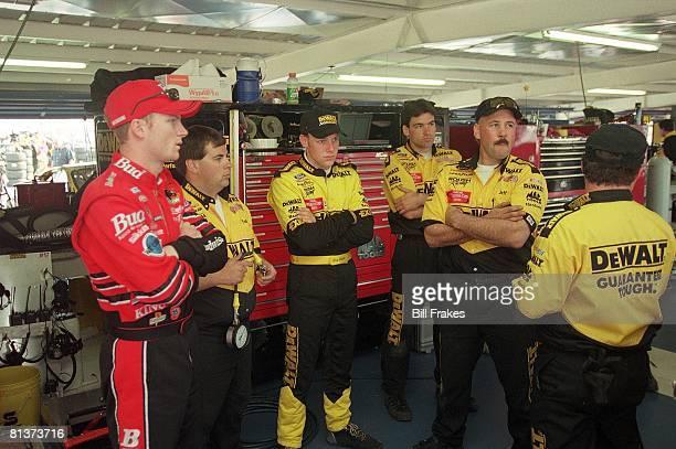 Auto Racing NASCAR Daytona 500 Dale Earnhardt Jr with Matt Kenseth and pit crew Daytona FL 2/17/2000