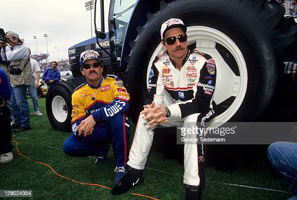 NASCAR Daytona 500 Dale Earnhardt with Mike Skinner before race at Daytona International Speedway Daytona Beach FL CREDIT George Tiedemann