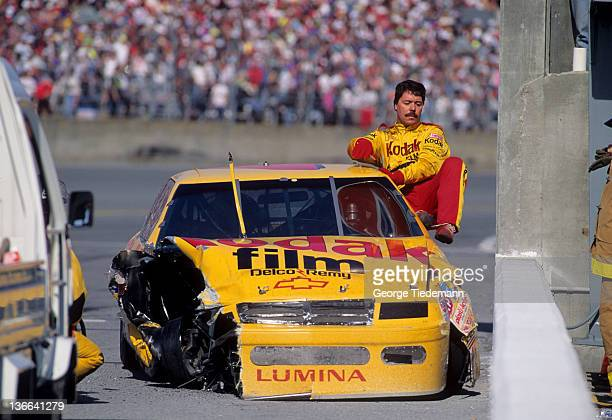 NASCAR Daytona 500 Ernie Irvan getting out of car after crash at Daytona International Speedway Daytona Beach FL CREDIT George Tiedemann