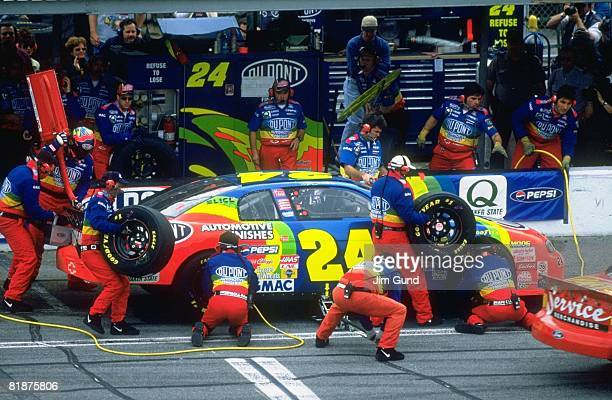 Auto Racing NASCAR Daytona 500 Jeff Gordon in pit during race Daytona FL 2/15/1998
