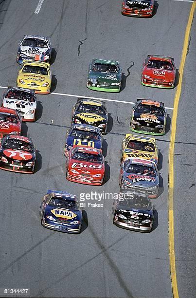 Auto Racing NASCAR Daytona 500 Michael Waltrip in action during start of race Daytona FL 2/18/2001
