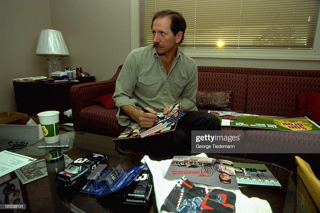 Portrait Dale Earnhardt signing autographs. Mooresville, NC