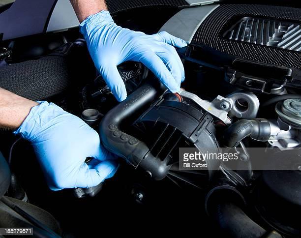 auto repair - handschoen stockfoto's en -beelden