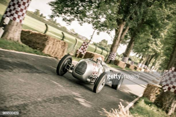 auto union grand prix rennwagen type c v16 classic racecar - audi stock pictures, royalty-free photos & images
