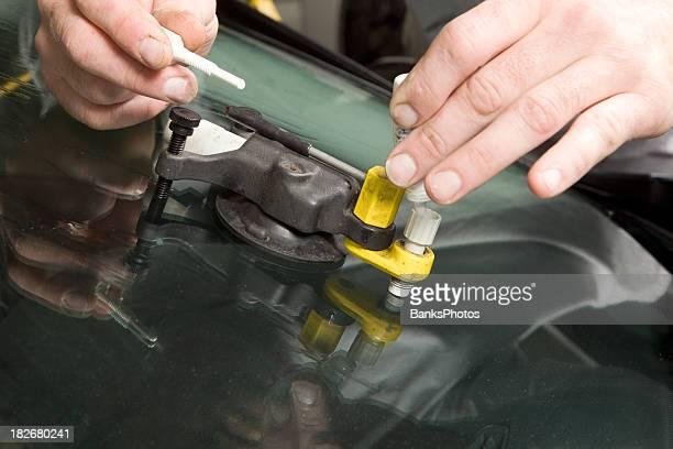 Auto-Windschutzscheibe Rock Chip reparieren