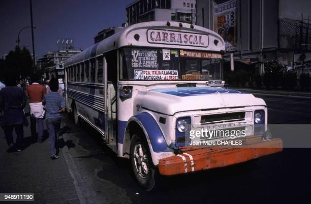 Autobus à Santiago au Chili en décembre 1987