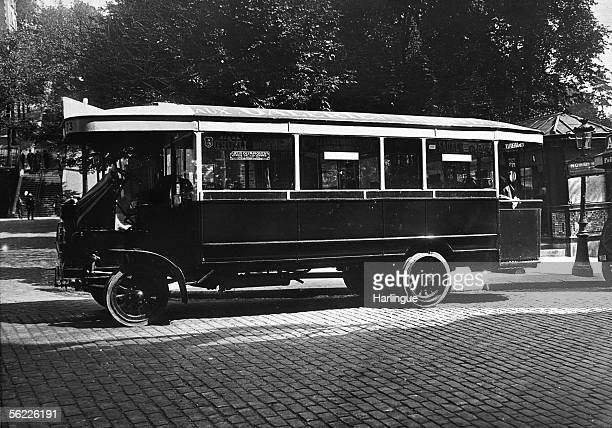 Autobus whitch assured the link with the stadium of Colombes during the Olympic games of Paris 1924