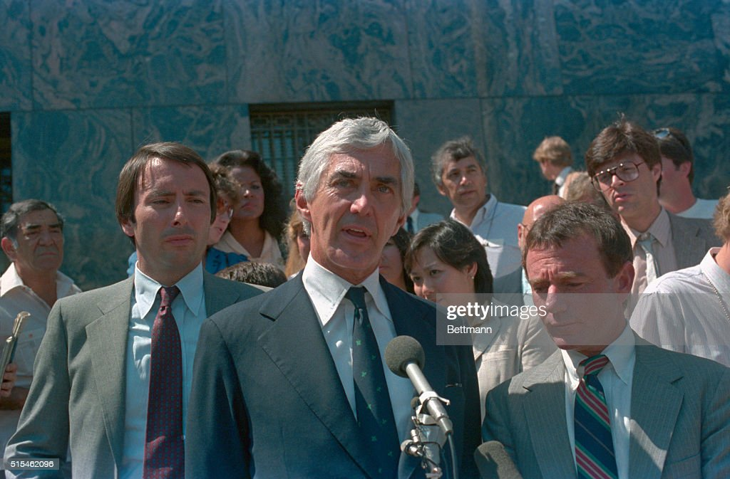 John DeLorean Speaking at Microphone : News Photo