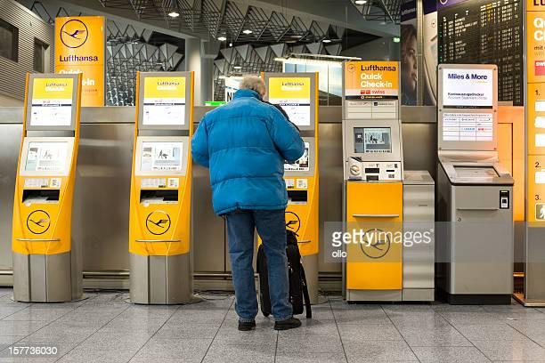 Automatisierte check-in-Schaltern der Lufthansa am Flughafen