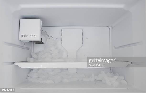 automatic ice maker malfunction - help:contents stock pictures, royalty-free photos & images