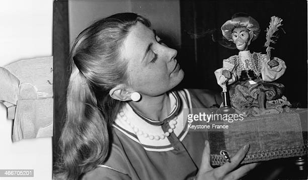 Automaton music box 'Smoking Monkey' at crative craft show in the Maison de la Chimie on March 12 1958 in Paris France
