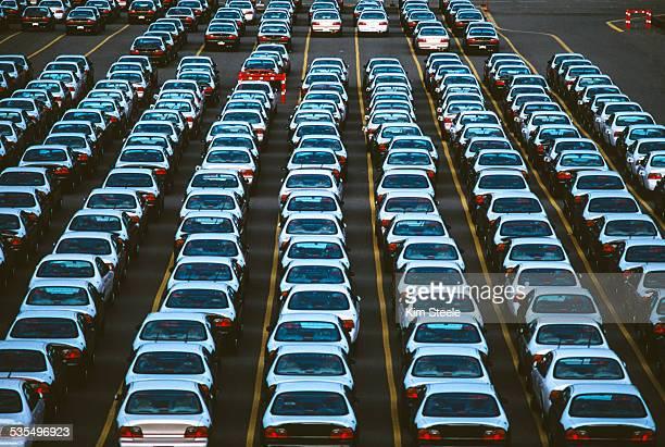 automobile imports on docks - 20世紀 ストックフォトと画像